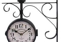 Zegary dwustronne kolejowe / Prezentowane przez nas zegary dwustronne kolejowe, to zegary lekko postarzane co dodaje im uroku. Pięknie wykończone, z różnymi motywami. Posiadamy szeroki wybór oryginalnych dekoracji do domu.