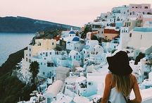 Bucket List | Greece / The stunning Greek island of Santorini is a must visit and has already stolen my heart. These tropic blues and white walls are perfection.