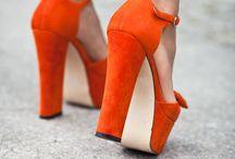 Colour: Bright orange / *