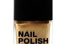 nails nails nails / by Carla Ackermann