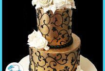 black & gold cakes