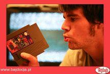 14 rzeczy, których nie zrozumieją współczesne dzieci / W dzisiejszych czasach wiele rzeczy, które stanowiły atrakcję w czasie młodości rodziców, dla ich dzieci jest czymś zupełnie nieznanym. Zdjęcia pochodzą ze strony Zdjęcia pochodzą ze strony www.awkwardfamilyphotos.com