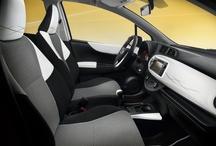 Toyota Yaris Trend / Podczas Salonu Motoryzacyjnego w Paryżu zaprezentujemy specjalną edycję auta przeznaczoną dla młodych i dynamicznych mieszkańców miast. Na nowy wygląd Toyoty Yaris złożą się dynamiczne elementy nadwozia (chromowane wykończenia) oraz szczegóły wnętrza (nowe kolory i materiały, przeszycia, deska rozdzielcza, fotele).   Edycja specjalna Yaris Trend będzie dostępna ze wszystkimi wersjami silnika od początku roku 2013