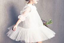 Virágszóró kislányok • Flower girls