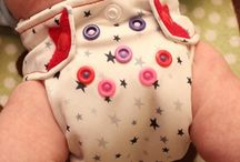 Cloth Diapering A Newborn / Reviews and articles about newborn cloth diapers