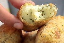 bolinho de aipim com queijo