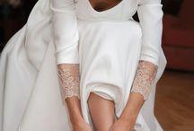 ZAPATOS DE NOVIA / Actualmente las novias no se decantan únicamente por el tradicional calzado blanco, ahora el abanico de colores es mucho más amplio.