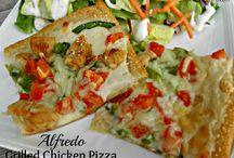 Pizza / by Donna Hawn