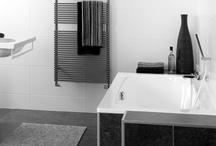 Bergen Badkamer / Creatieve indeling & topkwaliteit sanitar. Deze Bergen badkamer laat zien dat er met creativiteit veel mogelijk is op het gebied van ruimtegebruik en indeling.