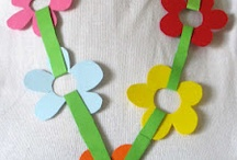 Collares de flores de papel