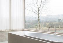 Casa de banho / Soluções de estores ou cortinados para a sua casa de banho. À sua medida. Disponível na loja online: www.plano-a.com.pt
