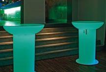Tables Lumineuses / Du mobilier tout en couleur et robuste.