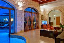 Villas with heated pools / A refreshing swim regardless of sun, rain or snow!