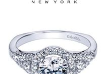 Halo Engagement Ring Styles / Engagement rings with Halo settings