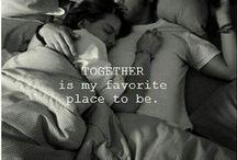 Liefde / Liefde is overal. Het enige wat je hoef te doen is .......
