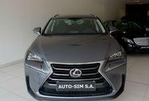 Auto-Sim S.A. - Lexus NX 200t / AUTO-SIM S.A. to firma profesjonalnie zajmująca się sprzedażą, odkupem oraz wynajmem długoterminowym samochodów segmentu Premium (limuzyny, auta sportowe i terenowe).   Firma istnieje na rynku od roku  2001, a tworzy ją zespół ludzi związanych z motoryzacją od wielu lat. Nasz zespół to profesjonaliści posiadający duże doświadczenie w branży, ale przede wszystkim ludzie z pasją…