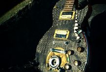 The Jaws / Industrial/steampunk meet reptilian curves on this Les Paul style electric guitar