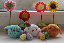 Crochet Amigurumi Toys / A collection of the best Amigurumi toy crochet patterns! From the Japanese ami, meaning crocheted, and nuigurumi meaning stuffed doll, you can create little animals, vegetables, sea creatures, pizza slices, tool sets, submarines, helicopters. If you can imagine it, it's probaby here.