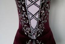 Trajes y vestidos