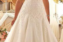 Esküvő menyasszony plus size