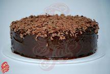Volcán de Chocolate / Torta de chocolate con centro liquido de chocolate y ralladura de chocolate encima