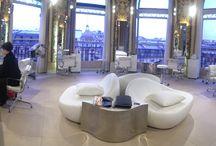 Printemps Haussmann ♥ / Le Nail Bar by Gloss'Up au Printemps Haussmann - 6ème étage - vous accueille du mercredi au samedi de 10H à 19H et nocturne le jeudi jusqu'à 20H30.  Venez vous faire de jolis ongles avec les vernis Yves Saint Laurent devant une vue panoramique de Paris et en dégustant une boisson chaude ou une coupe de champane.  Réservation au 01.42.82.41.41  #PRINTEMPS #GLOSSUP #GLOSSUPPARIS #YSL