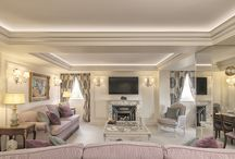 The Green Park Suite / In Summer 2016 The Ritz London opened our new two-bedroom Green Park signature suite. Situated within the privacy of the seventh floor, the suite (1200 sq. ft. / 111 sq. metres) offers a spacious, private apartment.  Decorated in a fresh, contemporary style with silver leaf design.  The Green Park Suite has a welcoming feel with magnificent views directly across The Royal Green Park and Piccadilly.