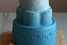 Cakes & cupcakes / by Renata Pollock