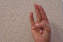 Yoga mains