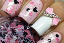 nails / by Nikki Hudgens