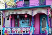 Domy barevné