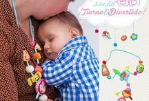 Collar mami y bebé, Jugando con mi bebé / Qué mejor que jugar en los brazos de mamá.
