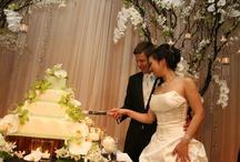 Wedding Flowers_Decorations_Centerpieces / by Jamie Ann