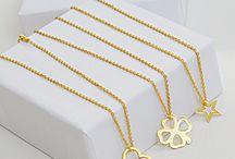 Naszyjniki celebrytki / Celebrity necklaces / Hot Trend! Naszyjniki celebrytki to bestseller w biżuterii już od kilku sezonów. Delikatne, minimalistyczne - takie właśnie kochacie najbardziej. Nasza kolekcja celebrytek wyróżnia się przede wszystkim oryginalnością. Zobaczcie same.