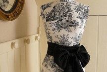 Toile de Jouy in BLACK