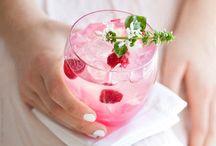 Fütyülős - Tele élménnyel! / Jellegzetes palack, ellenállhatatlanul gyümölcsös íz és illat, könnyen fogyasztható, finom party ital. Ez a Fütyülős! http://bit.ly/1kzavWq