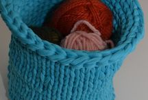 Knitted bowls