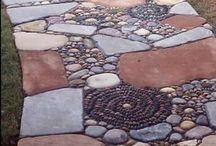 mozajkový koberec z kamínků