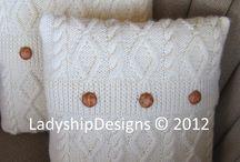 knitting pillows