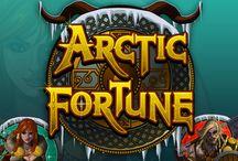 Artic Fortune / Vichinghi e belle guerriere sono partiti sfidando il gelo nordico per poter mettere le mani su scrigni pieni di monete e gioielli. Ti unirai a loro nell'avventura? Gioca sulle 1024 combinazioni vincenti sempre attive e potresti vincere la tua parte di Arctic Fortune.