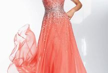Prom Dresses / Little things for an amazing look