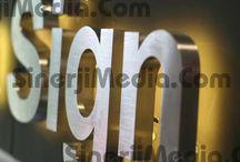 Paslanmaz Işıklı - ışıksız Gümüş Krom Kutu Harf /    Türkiye'nin her yerinde ve yurt dışında yüzlerce müşteriye hergün yüzlerce kargo yapıyoruz. Uygun paslanmaz gümüş (silver) krom kutu harf fiyatları, uzman kadro, zamanında teslimat ve kaliteli hizmet bizi öne çıkaran başlıca etkenlerdendir. Paslanmaz gümüş (silver) krom kutu harf için lütfen bizimle iletişime geçiniz.  http://sinerjimedia.com/kutu-harf/en-ucuz-paslanmaz-gumus-krom-kutu-harf-fiyatlari-burada.html