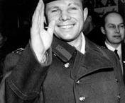 The first man flew into space - Yuri Gagarin / Космона́вт (астрона́вт) — человек, проводящий испытания и эксплуатацию космической техники в космическом полёте