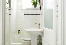 Bathrooms / by Meredith Ekstedt