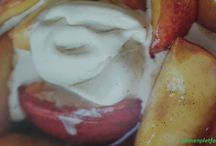 Caramelised peaches with vin santo