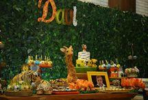 Festa Safari / Festa de 1 ano do Davi Lucca, com decoração temática de Safari, no Espaço Florescer Eventos - Buffet lúdico na Zona Leste de São Paulo. Essa é uma grande tendência de temas para aniversário infantil em 2018!