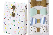 Gifting / Wrapping, bows, boxes, and bags - inspiration for giving great looking gifts / by Sendo Invitations