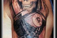 tatuaż M