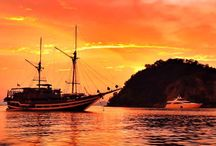 Sunset lovers paradise / Every day the sun goes down, a day passed by, but you can't wait to see the beautiful panoramic view with dazzling colors. Sunsets of Komodo Islands never disappoint a sunset lover!