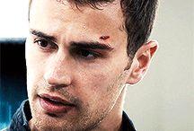 Divergent- Beavatott :)